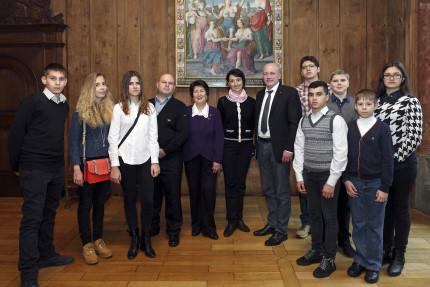 Schülergruppe aus Odessa besucht Oberbürgermeister Joachim Wolbergs