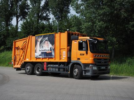 Plakate auf Müllfahrzeugen - Bild: Stadt Wiesbaden