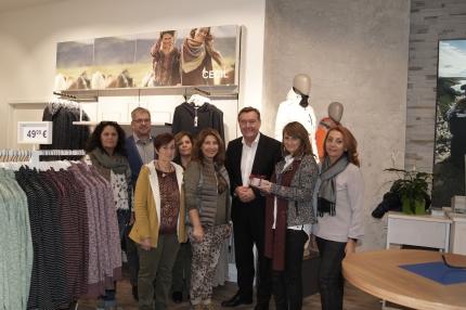 OB Kaminsky gratuliert zur Neueröffnung von Cecil in Hanau
